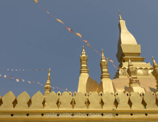 What to do in Vientiane Laos - visit the golden Pha That Luang