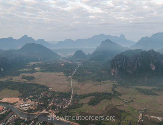 What to do in Vang Vieng : views over karst mountains